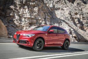 Alfa Romeo Stelvio SUV Quadrifoglio Fronansicht Fahrerseits