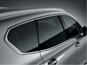 Verchromte Fensterzierleisten des Hyundai Santa Fe