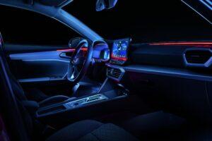 Innanansicht Cockpit mit Lichtsteuerung beim neuen SEAT Leon